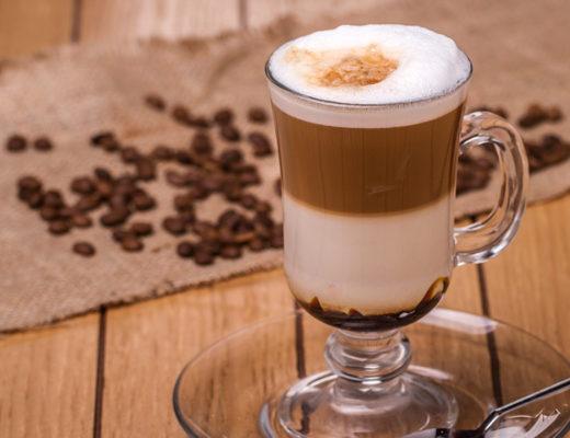 Café Cremoso. Irish Coffe. Cappuccino